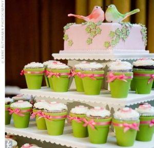 Love the little flower pot cupcakes by kim.nikolaus.5