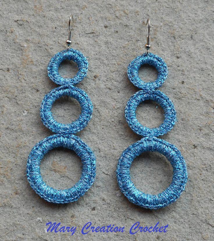 Orecchini realizzati con tre cerchi a misura crescente rivestiti all'uncinetto di MaryCreationCrochet su Etsy