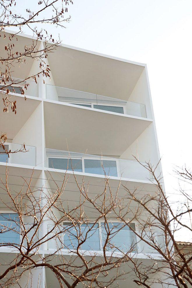 EF37 / 8 apartments in Alexandroupolis / JORIS BRAAT