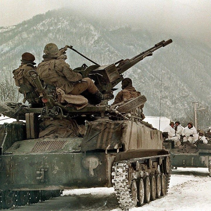 army Russian soldiers take their position near the village of Shatoy, Chechnya