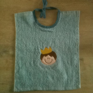 Birth present voor a baby boy. (design: Embroidery Outlet)