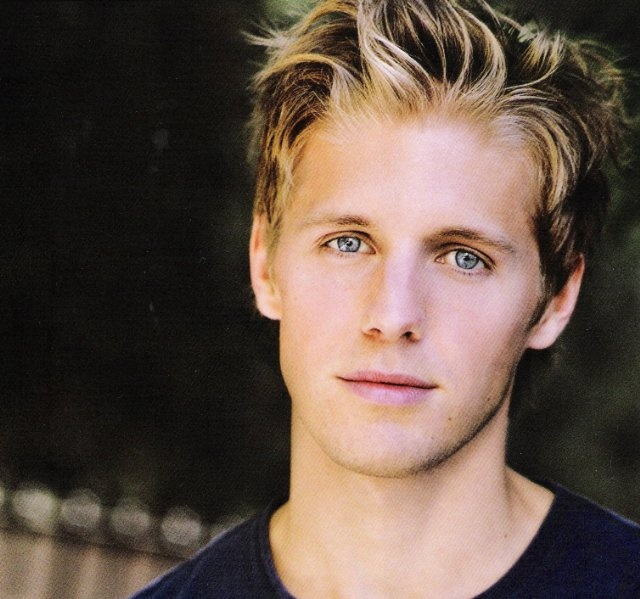 Matt Barr from Hatfield's & McCoy's The mini series on History Channel, such a cutie!