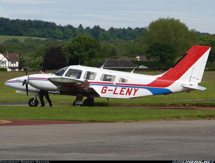 Photos Piper PA34220T Seneca III Aircraft Pictures