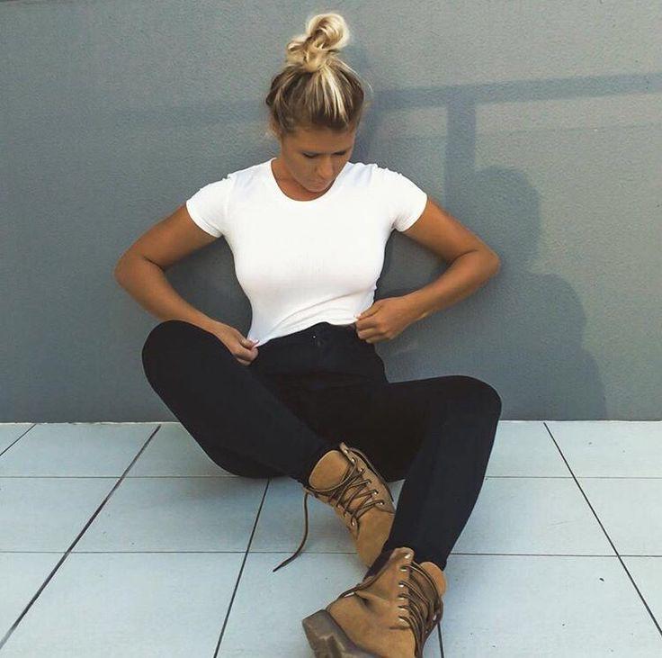 Holly daze coffey surfer girl/cool style