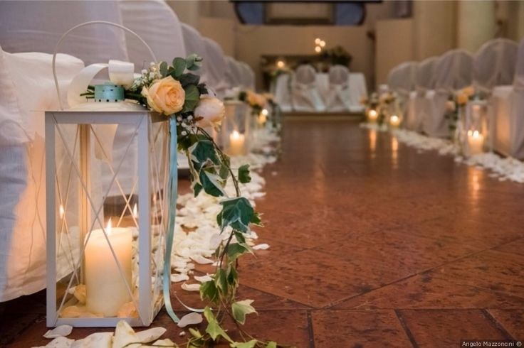 Allestimento wedding in chiesa.