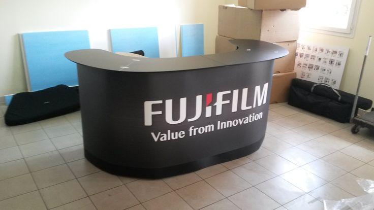 Podium case double XL avec sa jupe réalisé pour Fujifilm #Stand3D