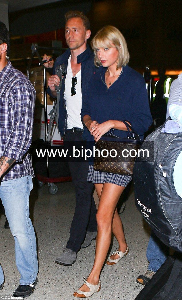 Taylor Swift And Ben Affleck Dating Relationship Rebound Of Each Other http://www.biphoo.com/celebrity/taylor-swift/news/taylor-swift-and-ben-affleck-dating-relationship-rebound-of-each-other
