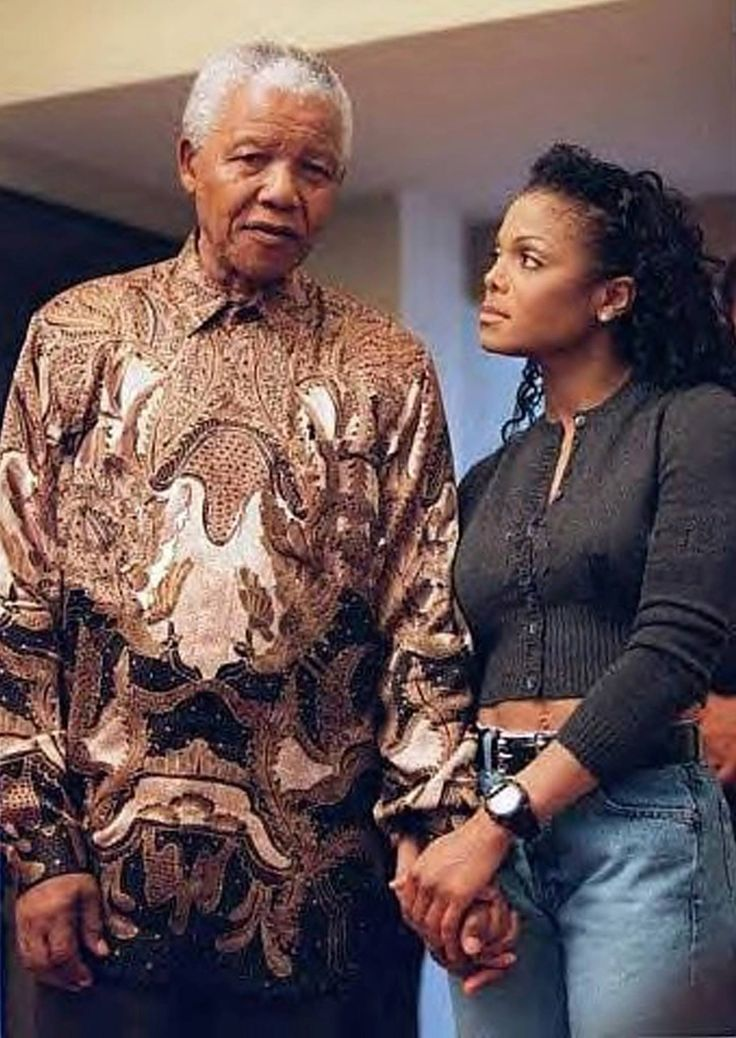 nelson mandela a real hero Nelson mandela was a civil rights leader in south africa he fought  where did  nelson mandela grew up nelson  was nelson mandela a hero because he .
