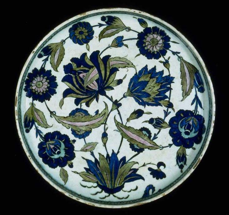 plat au bouquet tournoyant 1545 دوره صفوى