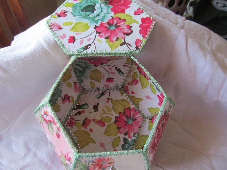 Для нравящейся, плетеная шкатулка из открыток