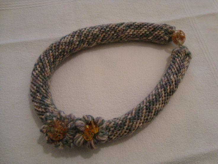 collana in lana.