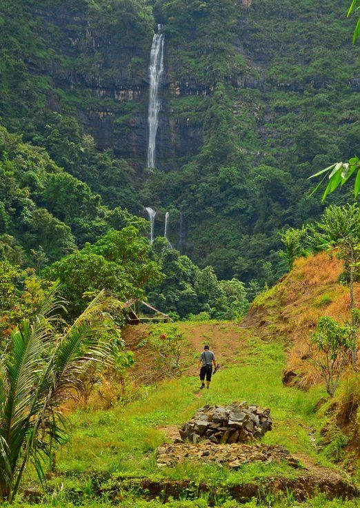 Curug Kanteh: Curug Kanteh is easier to reach, compared to Curug Cimarinjung, due to more developed access road and path...