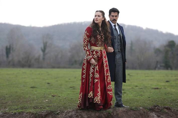 Çalıkuşu- Fahriye Evcen- Turkish actress- bridal- bride- bindallı-wedding dress-hen party- turkey-kırmızı- altın sarı- kına gecesi- gelin