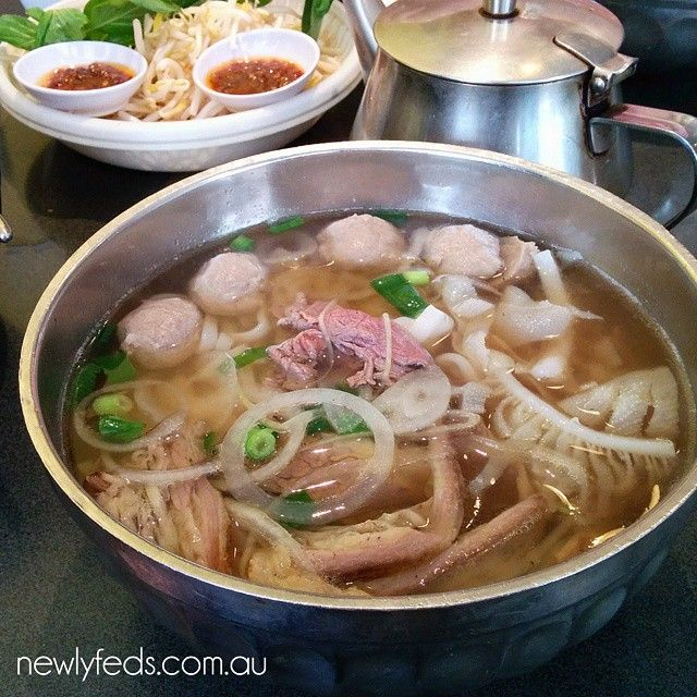 Pho Dac biet ($9.90) combination with rare beef, tripe, beef balls & brisket #pho #beefballs #tripe #brisket #beefnoodlesoup #vietnamese #newlyfeds