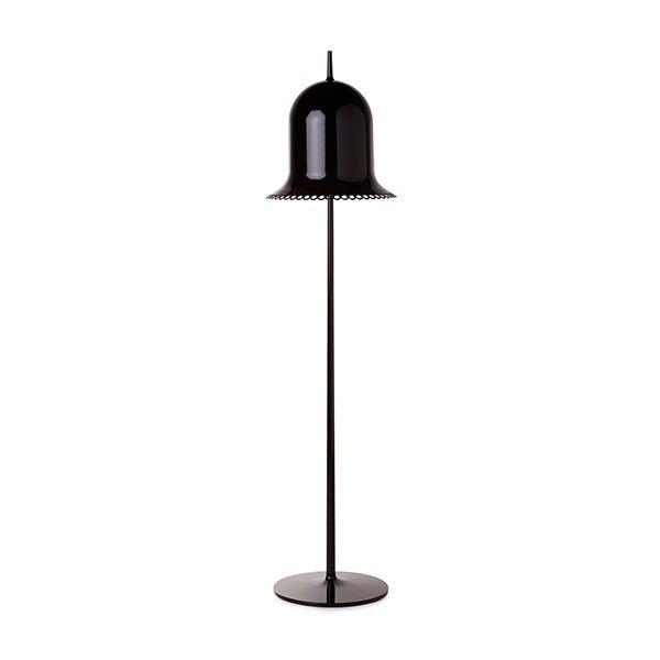 Lámpara fabricada con estructura de poliuretano y pantalla de plástico moldeado por inyección. Disponible en cuatro colores: negro, gris, blanco o rosa. Interior de la pantalla en blanco brillo. Portalámparas preparado para una bombilla E14 de 25w. Interruptor on/off en cable de conexión.  Diseñado por Nika Zupanc, 2008.   Referencias Lolita Floor Lamp - Moooi: MOLLOF-BA - Lolita Floor Lamp Negro MOLLOF-GA - Lolita Floor Lamp Gris MOLLOF-WA - Lolita Floor Lamp Blanco MOLLOF-PA - Lolita Floor…