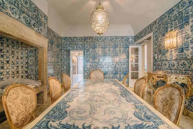 HomeLovers: dining room // tiles everywhere!