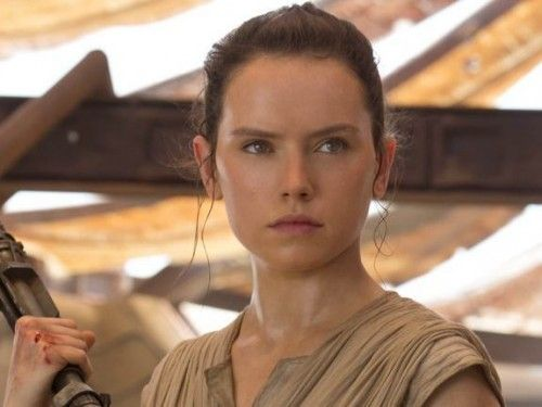 This theory about Rey from 'Star Wars' is pretty intense (SPOILERS FOR EPISODE VII, OBVIOUSLY.) Love this theory!!!