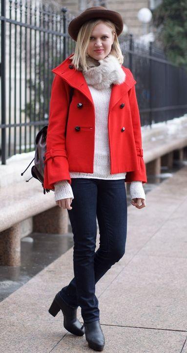 赤ジャケットのコーデ