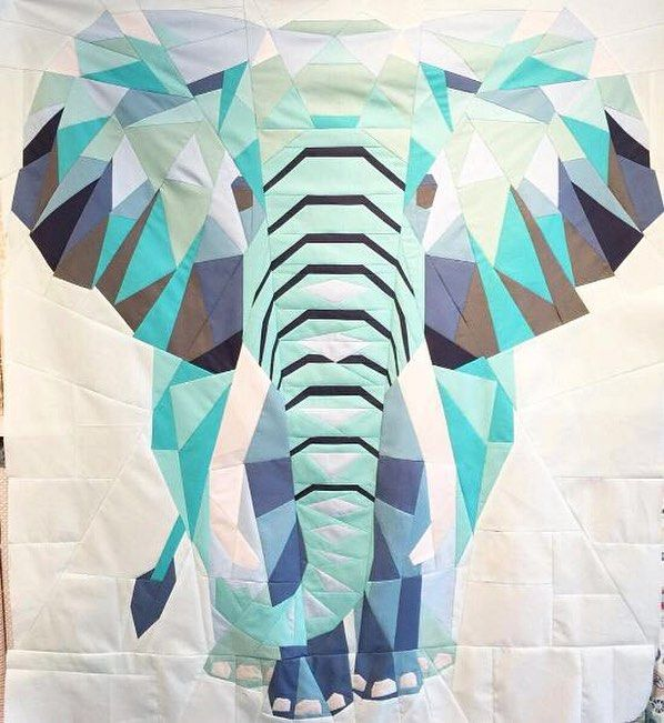 Happy Monday everyone! We hope you had a fun and creative weekend! Don't you love it when inspiration comes to you when you least expect it? Seems silly but we think it's like running into treasure. When we saw this stunning quilt made with #PureElements by @lalala_patchwork it was like we found quilting gold! . . Pattern: Elephant Abstraction Quilt by #VioletCraft : @lalala_patchwork . . #ArtGalleryFabrics #AGF #WeareFabrics #quiltlove #modernquilting #modernquilt #quilting #sewing…
