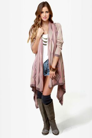 Take a vacation from your everyday layers and relax in the Heading Southwest Pink Sweater Wrap! A pink, beige, and taupe Southwest knit is so dreamy-soft as it falls into a shawl collar and long draping sides.