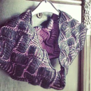 Free Knitting Pattern: Nostalgia Brioche Cowl