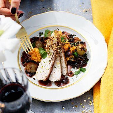 Kyckling med ingefärskrisp, rostad skocka och sötpotatispuré