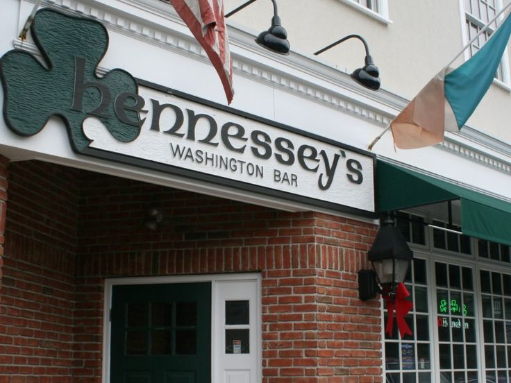 Hennessy's, Morristown NJ - Excellent stop for a rare roast beef sandwich and a pint of Guiness