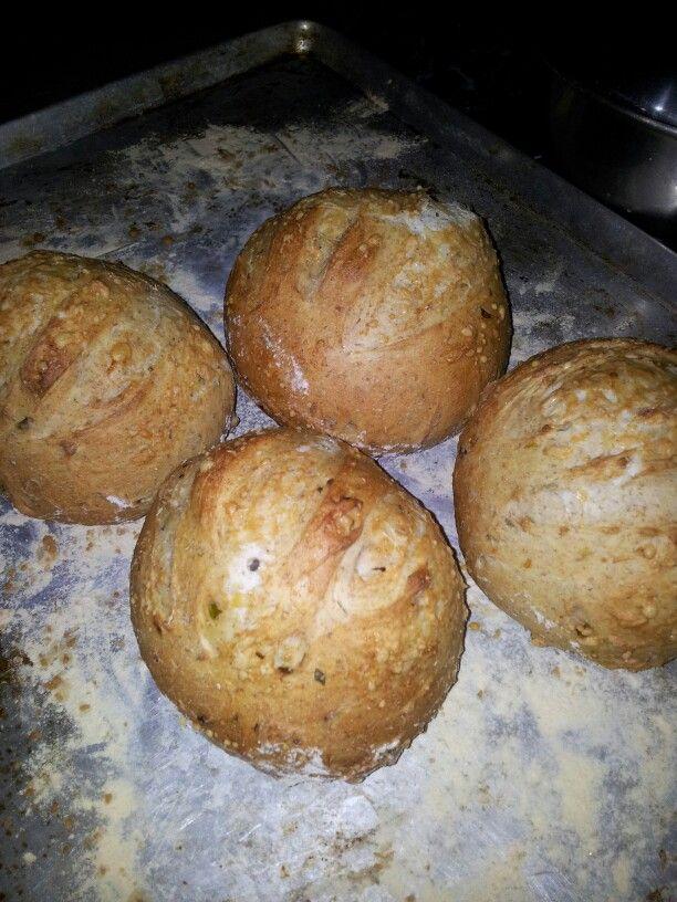 Pan de ají dulce y cebollín/ ciboullete and spanish ají bread