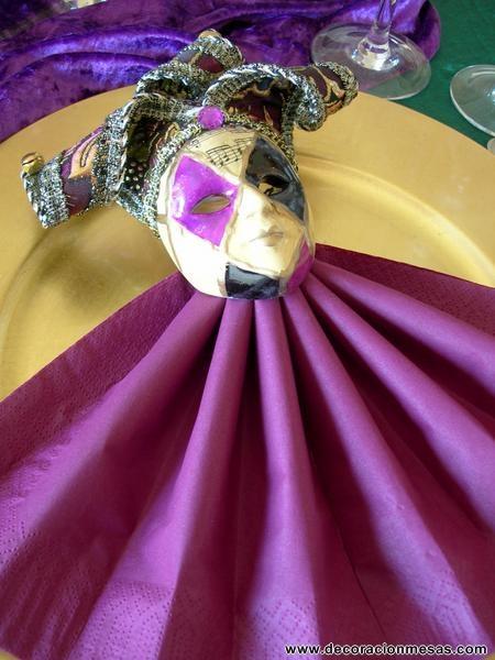 Decoracion mesa carnaval servilleta con mascara www - Decoracion de carnaval ...