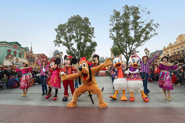 Shanghai Disney Resort Celebrates Chinese New Year With A Special Ceremony For Guests Disney Shanghai Shanghai Disney Resort Walt Disney Word