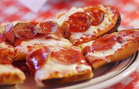Kahvaltılarınız için pratik ve çok lezzetli bir tarif Soslu Kızarmış Ekmek ....http://www.mutfaknotlari.com/soslu-kizarmis-ekmek-tarifi.html