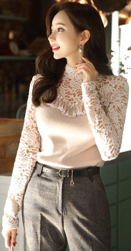 StyleOnme_Feminine Floral Lace Fleece Tee #lace #tee #feminine #floral #elegant #classy #koreanfashion #kstyle #kfashion #falltrend #seoul