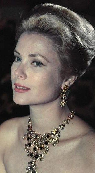 thestandrewknot:  Princess Grace of Monaco photographed by Philippe Halsman, 1959