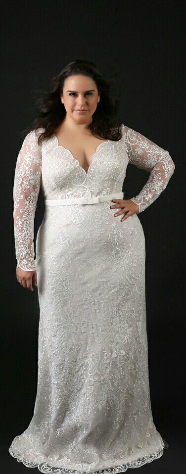 Cool Lace fitted plus size gown with long sleeves