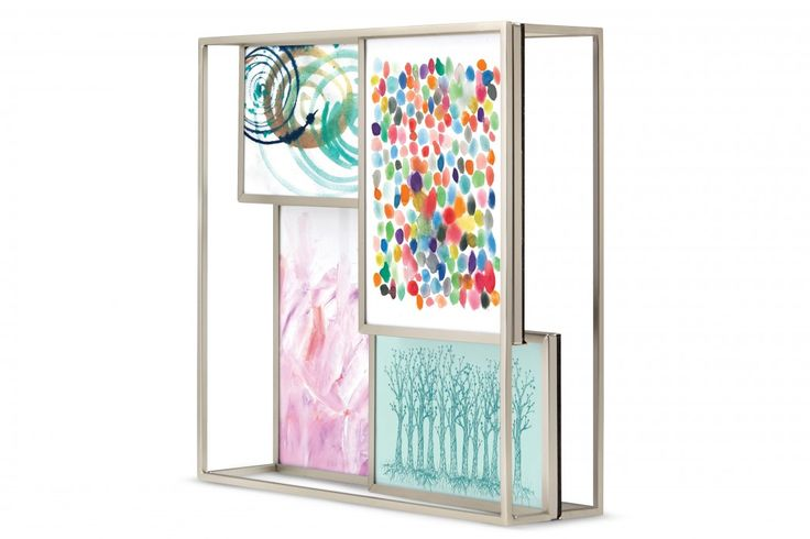 In de Photo Display kun je vier foto's plaatsen. Twee foto's van 10 x 15 cm en twee foto's van 13 x 18 cm. #fotolijst #wanddecoratie #housewarming #interieur #cadeau