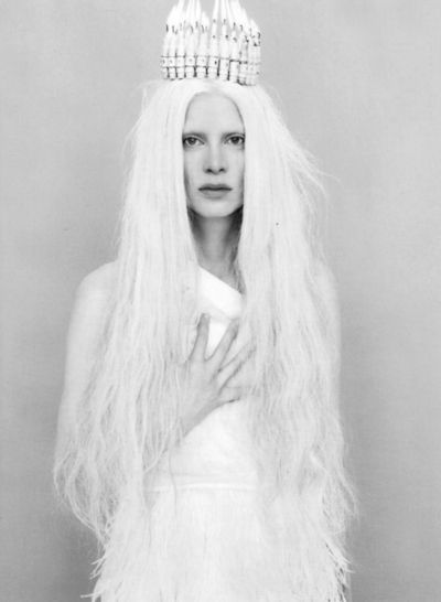 ♥ clearly this is a white witch