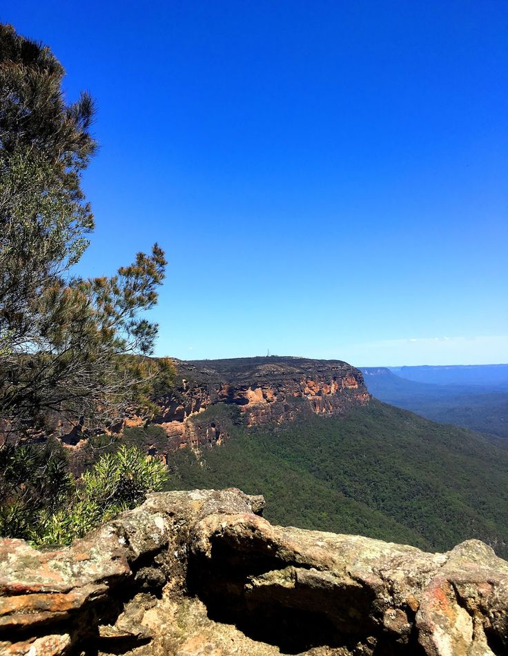 Hiking the National Pass, Blue Mountains