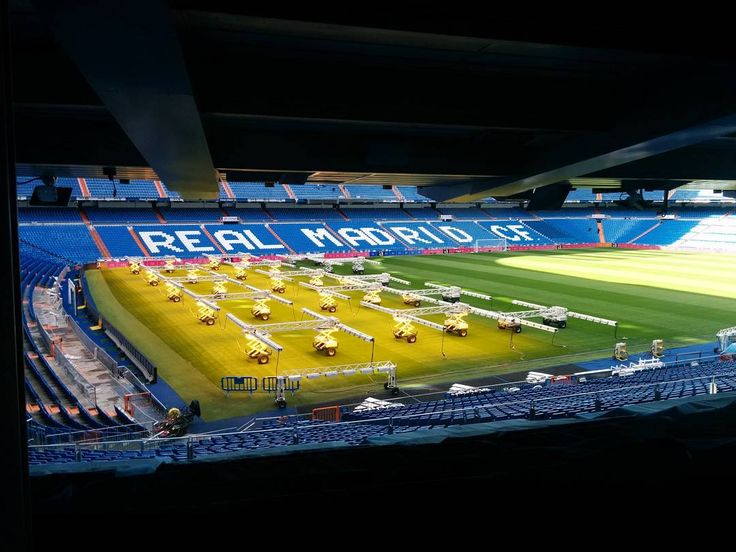 Oh just HAVING LUNCH AT SANTIAGO BERNABEU OMG I CAN'T EVEN #realmadrid
