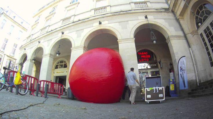 A time lapse of the installation at Place de la Mairie, Rennes, France. For the full blog post, visit http://www.lestombeesdelanuit.com/blog/redball-notre-premier-film-de-ball/