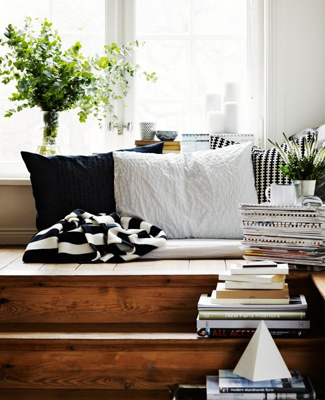 Daniella Witte - love the black & white accents with white & wood.