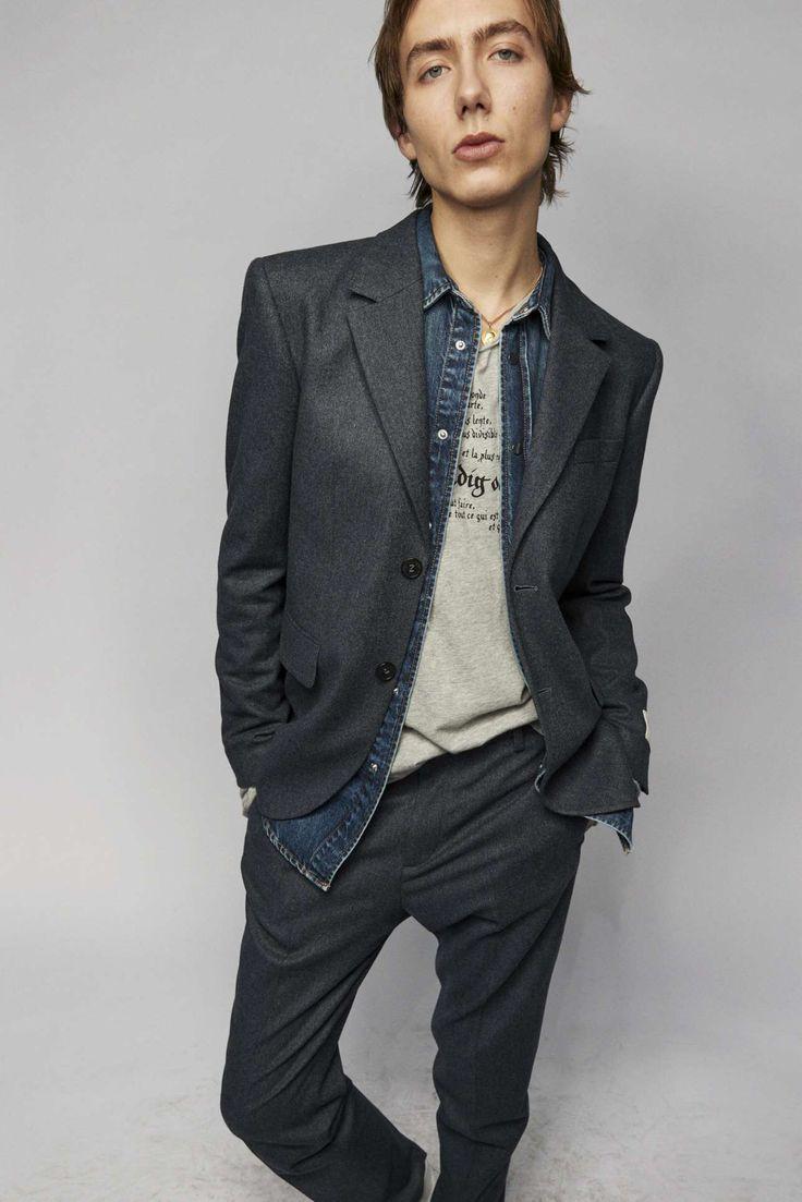 Zadig & Voltaire adapta la irreverencia urbanista a su colección Fall-Winter 2021 Fashion Brand, Fashion News, Fashion Show, Runway Fashion, Fashion Beauty, Parka, Celebrity Style, Ready To Wear, Fall Winter