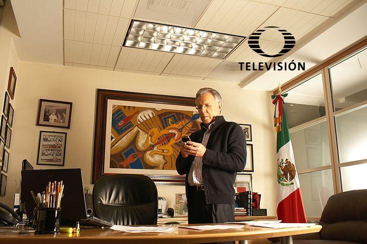 Checa en esta galería las imágenes de Joaquín López Dóriga entrando hasta la oficina de este reconocido periodista