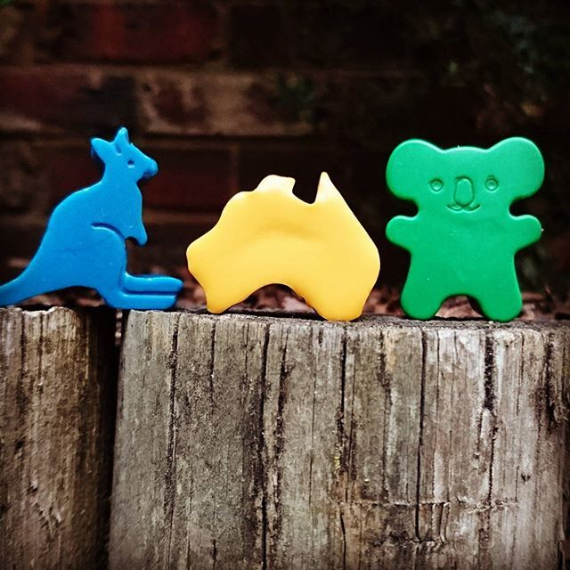 We're really proud that our crayons are  100% Australian made. Our crayons are handmade from Australian beeswax and two plant waxes and all of our packaging, right down to the recycled paper inside our boxes, is manufactured in Australia  ☺  #tintacrayons #australianmade #handmadeaustralia #handmadeau #supportaustralianmade #supportsmallbusiness #girlbossesau #aussie