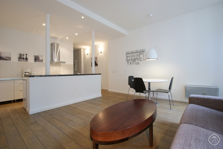 The Maur Apartment Is A Stylish One Bedroom Paris Apartment Located Close  To Saint Martin Canal