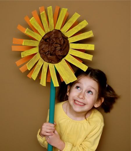 Craft up a giant sunflower from an empty oatmeal canister.