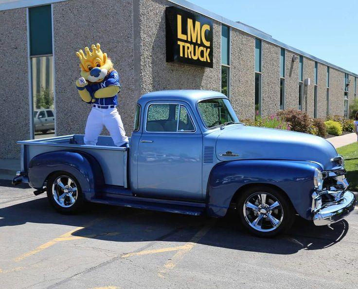 Slugger visited LMC Truck