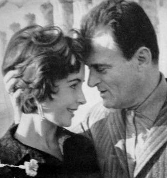 Elizabeth Taylor and her third husband,  Mike Todd (1957–58; widow)