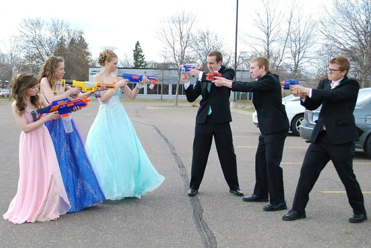 Prom pictures, prom poses, prom group poses, cute prom pose, 2015 prom