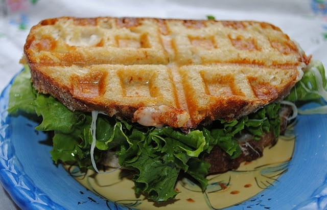 @Courtney Rowland, you've done it again!! This waffled grilled cheese looks like it belongs in my tummy. Mmm.