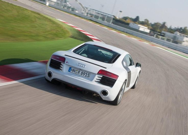 http://autoportal.com/newcars/audi/r8/photos.html Great collection of Audi R8 photos, history, modifications and reviews.Share your opinion about Audi R8 with thousands of auto fans!